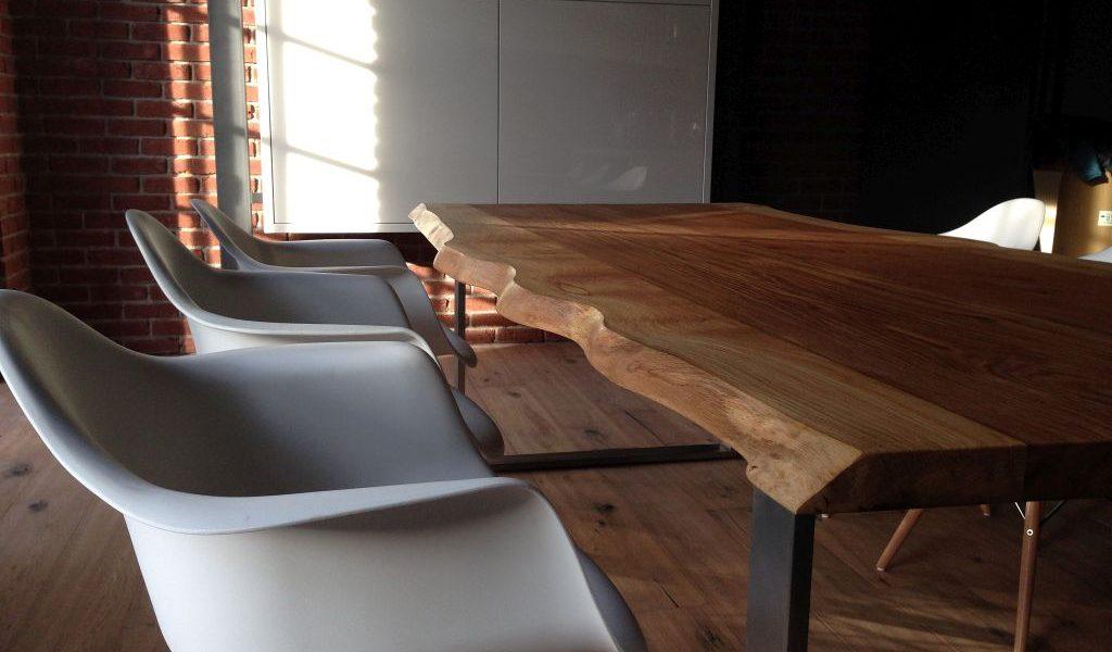 Stoły zlitego drewna, Trebord