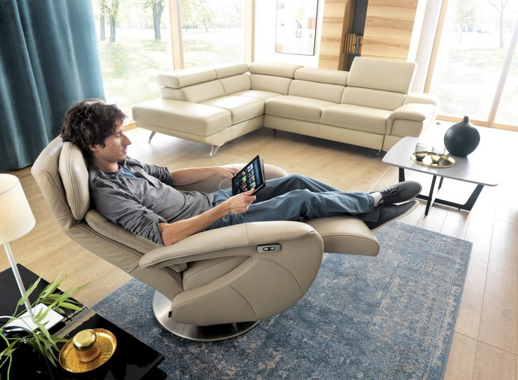 Fotel jako element aranżacji salonu