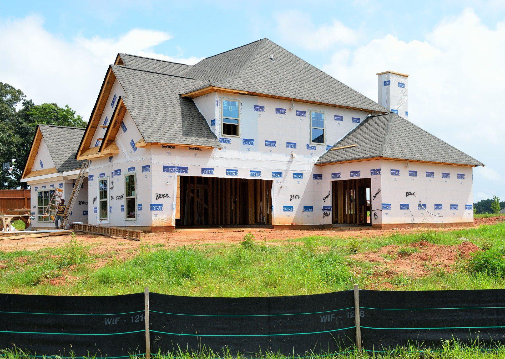 Budowa domu – jak zadbać o jego bezpieczeństwo?